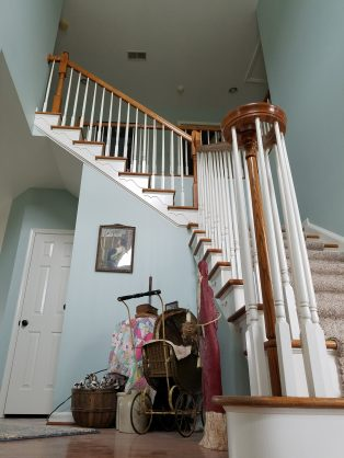 Dramatic Staircase And Entry ...